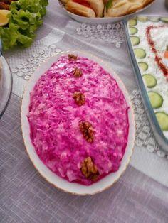 misafir soframda en çok beğeni alan salatam ... Kırmızı Pancarlı Karnabahar Salatası Malzemeler: 2 kase ince kıyılmış karnıbahar ...
