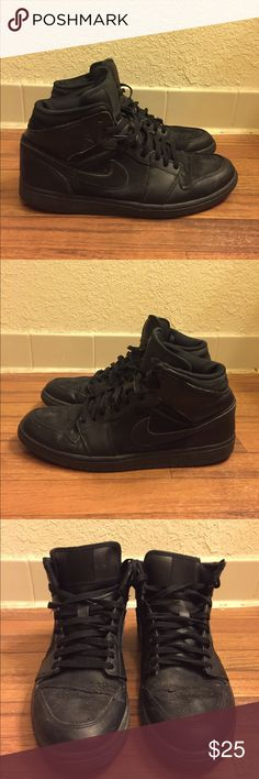 Nike Air Jordan 1 Phat Triple Black Men's Size 13 Item Details: • Used: Sold as is (Please view photos). Shoes are fully attached. They has plenty of life left. • Size: 13 • Style #: 364770-020 • Color: Black  Shipping & Handling: • Item will ship same or next business day after completed payment is received. This excludes weekends.  Note: This item is extremely rare to find in this size and condition. Everything is 100% authentic guaranteed or your money will be refunded in full payment…