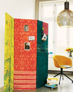 A room divider with storage, how to's on site @Janet Karthak - Option Numero Uno