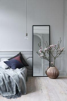 Bedroom Decor Design Ideas - Josh and Derek Home Bedroom, Bedroom Decor, Bedroom Mirrors, Bedroom Ideas, Design Bedroom, Modern Bedroom, Nordic Bedroom, Serene Bedroom, Bedroom Lighting