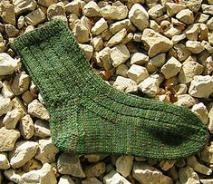 Basic socks free knitting pattern