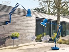 New from British brand Anglepoise: Two giant outdoor versions of its iconic desk lamp. Why so big? The first giant Anglepoise—the Original thre Outdoor Floor Lamps, Outdoor Flooring, Outdoor Walls, Outdoor Lighting, Indoor Outdoor, Outdoor Decor, Outdoor Spaces, Outdoor Dining, Ideas