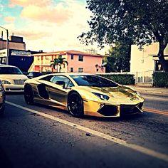 Kanye Wests golden Lamborghini Aventador!!