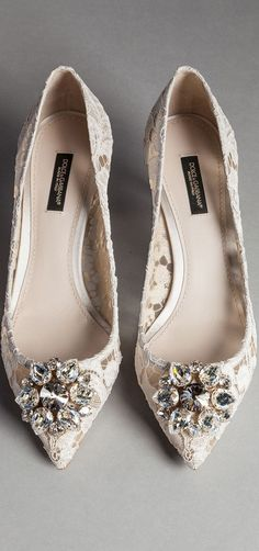 Schuhe Damen Flach - 59 Luxury Shoes You Will Definitely Want To Try choo Pretty Shoes, Beautiful Shoes, Cute Shoes, Me Too Shoes, Dream Shoes, Crazy Shoes, Bridal Shoes, Wedding Shoes, Shoe Boots