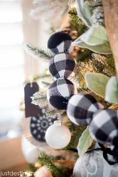 Fabric Ideas garland with balls, bulbs, or ping pong balls and fabric - Looking for some buffalo check inspiration this Christmas? Just Destiny Mag shows you how to decorate your Christmas tree with buffalo check! Plaid Christmas, Country Christmas, Winter Christmas, Christmas Crafts, Christmas Decorations, Diy Christmas Tree Garland, Homemade Christmas, Christmas Ideas, Diy Girlande