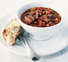Chorizo & pork belly with haricot beans. A treat for every once in a while. Get Cantina hot Paprika if you can.