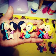 Disney Word, Biscuit, Polymer Clay, Disney Characters, Fictional Characters, Pasta, Cute, Cold Porcelain, Hair Bows
