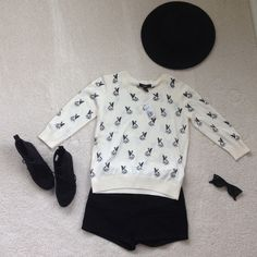 NEW WITH TAGS Dog / Pug Sweater ! Never been worn, very cute sweater with pug print on it! Size medium. Forever 21 Sweaters