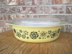 Check out this item in my Etsy shop https://www.etsy.com/listing/241609756/vintage-pyrex-045-pressed-flowers