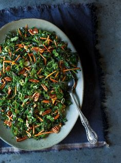 Amazing Kale salad with Dijon vinaigrette Cabbage Salad, Kale Salad, Vegetable Recipes, Vegetarian Recipes, Healthy Recipes, Healthy Food, Sauerkraut, Salad Dressing Recipes, Salad Recipes