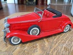 BANDAI 1933 CADILLAC RED TIN LITHO FRICTION TOY MADE IN JAPAN EXCELLENT!!  $95.00Approx NOK791.47