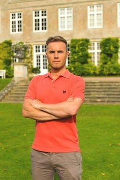 Beautiful Barlow infront of a beautiful house :-P