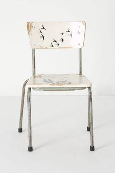 petite chaise aux oiseaux