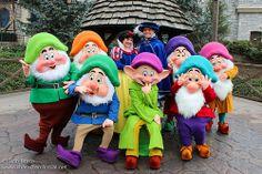 Valentine's and Rare Character Weekend at Disneyland Paris! Disney Fun, Disney Magic, Disney Parks, Disney Stuff, Snow White Characters, Disney Characters Costumes, Walt Disney Animation Studios, Disney Cosplay, Disney Christmas
