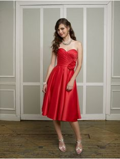 Satin Strapless Bridesmaid Dresses With Pleated Bodice And Flower Decoration