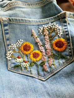 Embroidery On Clothes, Cute Embroidery, Embroidered Clothes, Embroidery Stitches, Embroidery Patterns, Jeans With Embroidery, Painted Clothes, Diy Clothing, Diy Fashion