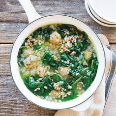 Healthy spin on Italian wedding soup--white pasta is replaced with hearty whole-grain farro, and meatballs are lightened up with lean turkey. Farro Recipes, Soup Recipes, Cooking Recipes, Healthy Recipes, Healthy Soups, Dinner Recipes, Turkey Meatball Soup, Turkey Meatballs, Spinach Soup