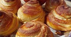 Από τα ωραιότερα αφράτα γευστικά υπέροχα ρολά καραμελωμένης ζάχαρης που θα έχετε φτιάξει !!!   ΥΛΙΚΑ -ΣΥΝΤΑΓΗ-ΕΚΤΕΛΕΣΗ :  Βάζουμε στο μ... Greek Sweets, Greek Recipes, Sweet Bread, Yummy Cakes, Baked Goods, Food And Drink, Cooking Recipes, Yummy Food, Treats