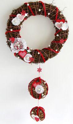 Pas à Pas Couronne de l'Avent - Noël Norvégien - Cultura Christmas Diy, Christmas Wreaths, Christmas Decorations, Xmas, Holiday Decor, Art Floral Noel, Advent, Sweet Home, Inspiration