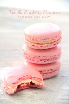 Bella Cupcakes: Journey of the French Macaron Take Two! Raspberry Macaroons, French Macaroons, Pink Macaroons, Just Desserts, Delicious Desserts, Dessert Recipes, Yummy Food, Macaroon Recipes, Gourmet