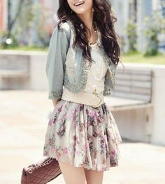 floral skirt and jean jacket Teen Fashion Cute Fashion, Look Fashion, Teen Fashion, Fashion Outfits, Womens Fashion, Spring Fashion, Skirt Fashion, Fashion Clothes, Korean Fashion
