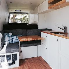 35 Comfortable RV Bed with Some Storage. At times the simplest storage solutions are the simplest to overlook. RV storage is just one of the quickest growing storage markets and building markets in th. School Bus Tiny House, Bus House, Ford Transit Campervan, Rv Storage Solutions, Caravan Renovation, Van Home, Camper Storage, Camper Van Conversion Diy, Camper Life
