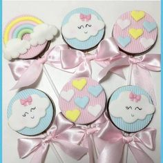 Inspire your Party ® Baby Birthday Cakes, Rainbow Birthday Party, Nikki Baby, Girl Themes, Girls In Love, Birthday Decorations, Alice, Party Themes, Baby Shower