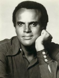 The very handsome. Hollywood Actor, Old Hollywood, Popular Music Artists, Strong Black Man, Calypso Music, Harry Belafonte, Vintage Black Glamour, Black Actors, Renaissance Men