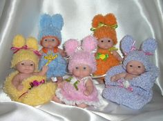 My tiny Easter Babies. Knitting pattern. By me.