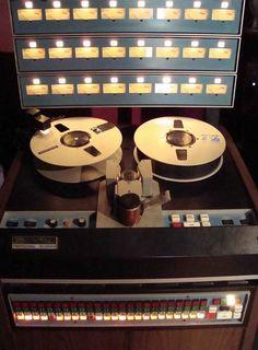 3M M79 machine de bande - www.remix-numerisation.fr - Rendez vos souvenirs durables ! - Sauvegarde - Transfert - Copie - Digitalisation - Restauration de bande magnétique Audio - MiniDisc - Cassette Audio et Cassette VHS - VHSC - SVHSC - Video8 - Hi8 - Digital8 - MiniDv - Laserdisc - Bobine fil d'acier - Micro-cassette - Digitalisation audio - Elcaset