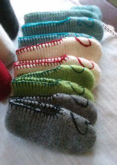 Ullkurven: Tova Tøfler Slipper Socks, Slippers, Knitting Socks, Knitted Hats, Bed Socks, Crazy Socks, Diy And Crafts, Sewing Projects, Crochet