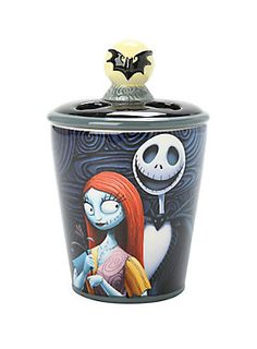 Because Cavaties can be a nightmare // The Nightmare Before Christmas Jack Skellington And Sally toothbrush holder