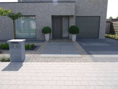 Tips For Great Designs In Your Landscaping Plan - House Garden Landscape Concrete Patio Designs, Cement Patio, Patio Tiles, Patio Images, Patio Pictures, Front Yard Patio, Front Yard Landscaping, Modern Patio, Modern Landscaping