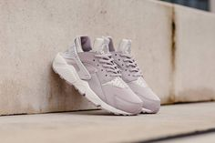best website 6c6eb 3bc3b NIKE AIR HUARACHE RUN W - GREY, ROSE   WHITE TRAINERS 634835-029 IN ALL  SIZES