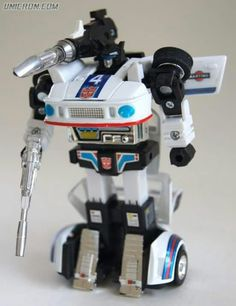 Jazz, an Autobot who transformed into a Martini Porsche 935 turbo, from Hasbro's first-generation Transformers toys Original Transformers, Transformers Action Figures, Transformers Toys, 1980s Toys, Retro Toys, Vintage Toys, Gi Joe, Transformers Generation 1, Marvel Comics