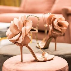 hochzeitsschuhe pumps 2019 Sandalias Mujer SS New Oversize Flower Back Ankle Strap Sandals Stiletto High Heels Pink Black Satin Party Shoes Woman Bridal Shoes, Wedding Shoes, Bridal Gown, Wedding Bride, Floral High Heels, Floral Sandals, Cool High Heels, Wedge Shoes, Shoes Heels