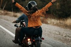70s-inspired-motorcycle-anniversary-session-at-mount-baldy-jonathan-yacoub-photography-21