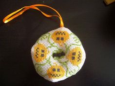 biscornu halloween - miniatures et petits objets - Ohfilsdescroix - Fait Maison