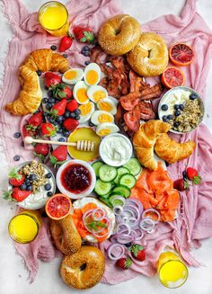 It doesn't have to be the weekend to brunch. I'll eat brunch morning, noon & night if it looks anything like this. Who else needs this in their life? Brunch Table, Brunch Party, Brunch Wedding, A Table, Brunch Food, Mothers Day Breakfast, Mothers Day Brunch, Charcuterie Recipes, Charcuterie Board