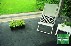Met deze moderne Excluton traptreden van beton in de maat 18x40x100 cm creëert u eenvoudig een mooie trap met een exclusieve uitstraling. De traptreden zijn voorzien van een afgeronde voorzijde. Door het uitgekiende ontwerp blijven deze traptrede goed op de plaats liggen. De traptrede elementen van Excluton zijn ideaal om hoogteverschillen in uw tuin op te vangen. Outdoor Chairs, Outdoor Furniture, Outdoor Decor, Home Decor, Decoration Home, Room Decor, Garden Chairs, Home Interior Design, Backyard Furniture