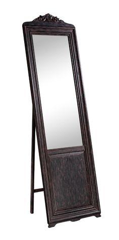 Напольное зеркало в английском стиле с рамой из натурального дерева в форме дверцы-ширмы. Забытая деталь интерьера оживит пространство и наполнит его магическим настроением.