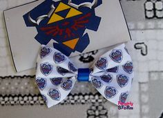 The Legend of Zelda Hylian Shield  Bow -  Hair bow/ Bow tie  Unique handmade Geeky Gamer bow