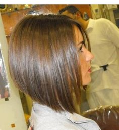 Cute inverted bob cut. I want this!!!!