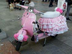 #vespa#art Pink Vespa, Motorcycle Manufacturers, Motor Scooters, Cool Bicycles, Car Wheels, Baby Car Seats, Baby Strollers, Cool Stuff, Vintage Vespa