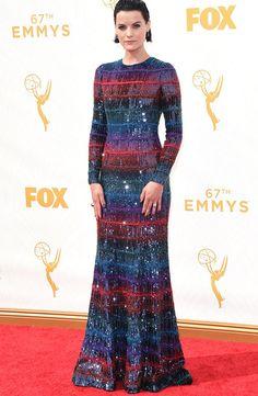 Jamie Alexander e as outras musas que arrasaram no red carpet do Emmy Awards, que rolou ontem.