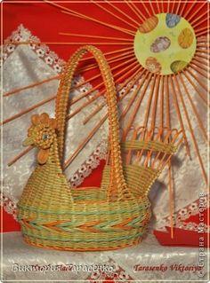 Поделка изделие Пасха Плетение Мои птички Бумага газетная Трубочки бумажные фото 1