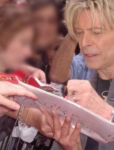 Bowie.. as  always, loving the fans