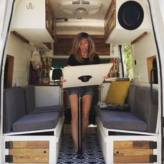 From Dining Table to Bed in 60 seconds VanLife Turning a daytime dining table to a full-size bed in 60 seconds in this epic van conversion by Vacay Vans Tiny House Movement Tiny Living Van Life Van Conversion TinyHouseonWheels TinyHome Van Conversion Interior, Camper Van Conversion Diy, Van Conversion Bed Ideas, Van Conversion Bathroom, Ford Transit Camper Conversion, Tiny House Movement, Van Life, Vw T3 Camper, Diy Van Camper