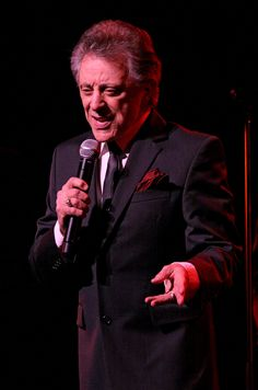 Franke Valli and the Four Seasons : Memorial Park – Really good. But can't hit the high notes. Bob Gaudio, Tommy Devito, Frankie Valli, Jersey Boys, Memorial Park, Four Seasons, Love Him, Singer