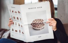 Martin Auer is a man on a mission. To make the impossible possible. And all while baking the best breads in town. In the new Martin Auer Magazine, his philosophy of giving the bread its soul back should be clearly visible; in a medium that would raisethe… Layout Inspiration, Graphic Design Inspiration, Food Inspiration, Design Editorial, Editorial Layout, Brochure Design, Branding Design, How To Store Bread, Menu Layout
